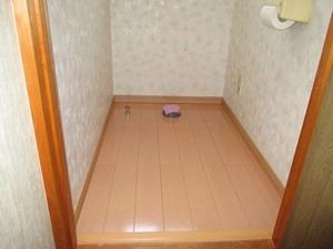 床フローリング貼り